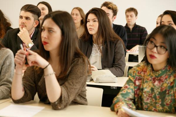 经济全球化,更要选择诺曼底管理学院攻读DBA